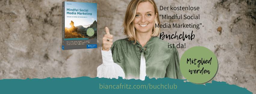Bild-Bianca-mit-Buch-Anmeldung-für-Buchclub